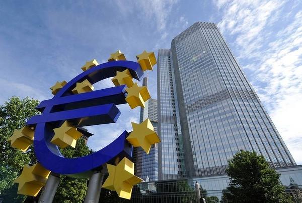 ЕС потратит 10 млрд евро, чтобы прогнать из Европы Amazon и Google